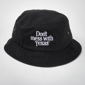 Don't mess with Texas Bucket Cap in Black