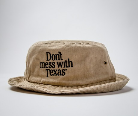 Don't mess with Texas Bucket Cap in Khaki